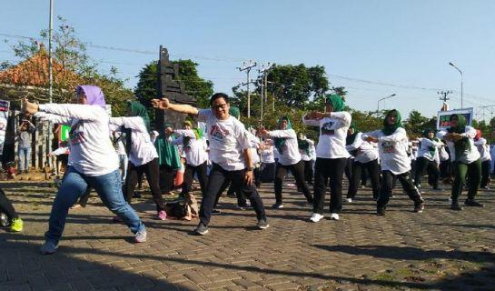 Muhaimin dan Ida Fauziyah di acara deklarasi Super Jokowi Jateng.
