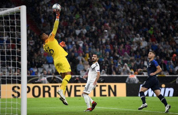 Alphonse Areola tampil apik saat Prancis mengimbangi Jerman 0-0.
