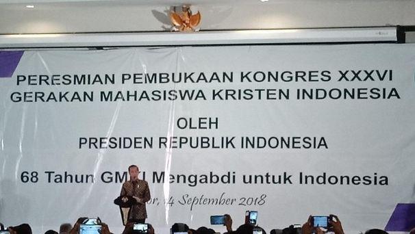 Presiden Jokowi saat membuka kongres Gerakan Mahasiswa Kristen Indonesia (GMKI) di Bogor, Jawa Barat, Jumat (14/9/2018).