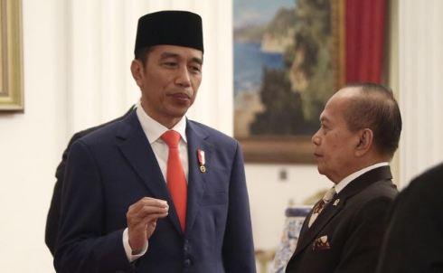 Presiden Jokowi dan Syarif Hasan.
