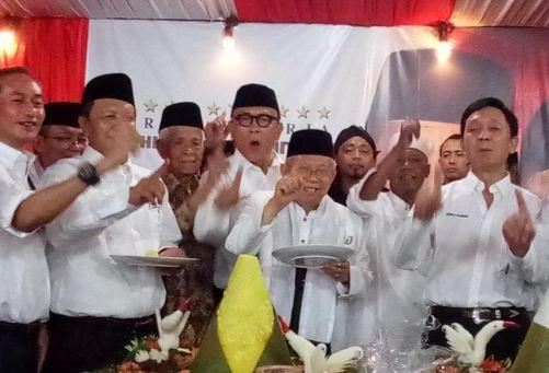 Cawapres Ma'ruf Amin menghadiri peluncuran rumah kerja Bhinneka Nusantara yang dibuat relawan pendukungnya.