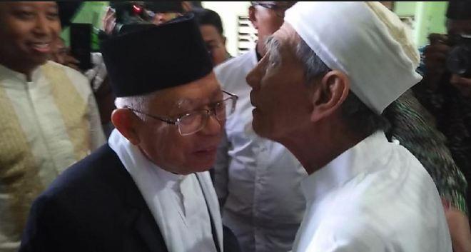 Ma'ruf Amin dan Mbah Moen.
