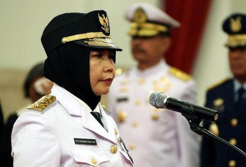 Wakil Gubernur NTB Sitti Rohmi Djalilah saat dilantik Presiden Jokowi.