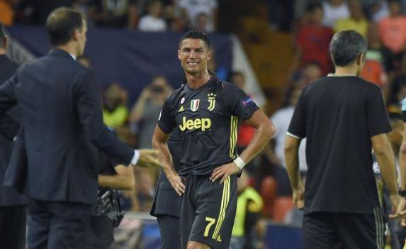 Cristiano Ronaldo saat di ganjar kartu merah.