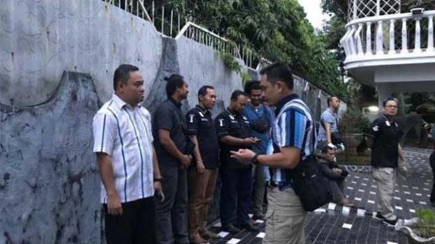 Olah TKP perampokan sekaligus pemerkosaan di rumah WNA Jerman di Harjamukti, Cimanggis, Depok, Kamis (20/9/2018), dipimpin Wakapolresta Depok.