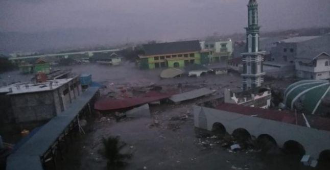 Tsunami Melanda Palu dan Donggala Pasca Gempa Bumi Donggala Sulteng.