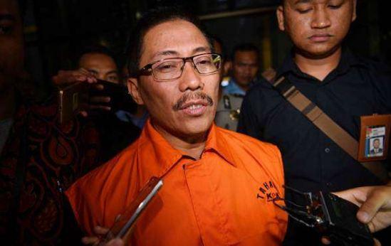 Bupati Cirebon Sunjaya Purwadi Sastra.