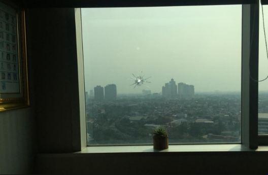 Gedung DPR RI yang tertembak.