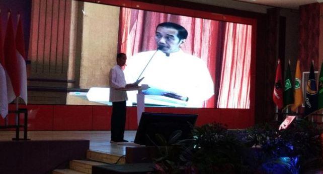 Jokowi saat pidato di acara pelantikan dan konsolidasi di Panti Marhen, Semarang, Sabtu (20/10).