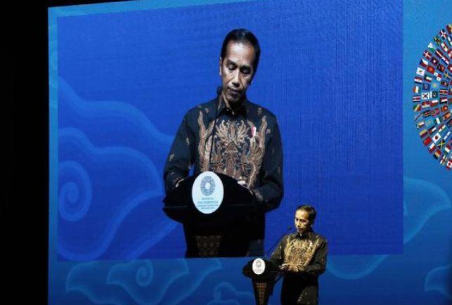 Presiden Joko Widodo (Jokowi) saat membuka pertemuan tahunan International Monetary Fund (IMF) World Bank di Nusa Dua Bali hari ini, Jumat (12/10).