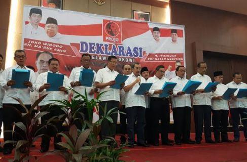Gubernur dan Kepala Daerah di Riau saat Deklarasi Dukung Jokowi-Ma'ruf.
