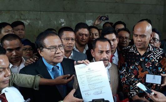 Rizal Ramli laporkan Surya Paloh ke Bareskrim Polri.