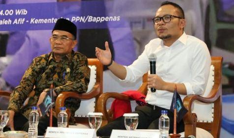 Menaker Hanif Dhakiri saat menjadi narasumber Press Conference Forum Merdeka Barat 9.