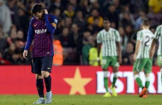 Lionel Messi lesu usai timnya dikalahkan Real Betis 4-3.