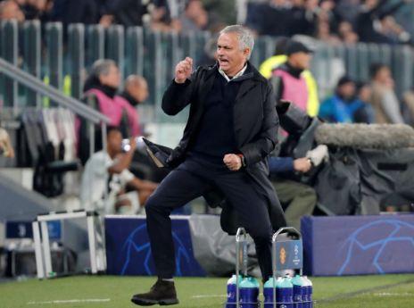 Luapan kegembiraan Mourinho usai MU Kalahkan Juventus 2-1.