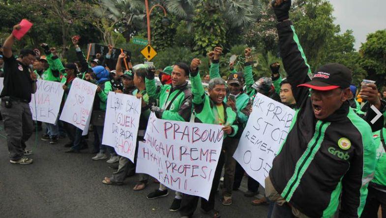 Ojek online yang protes pernyataan Prabowo Subianto.