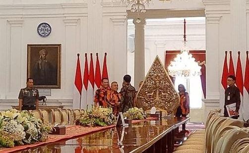 Presiden Jokowi saat terima Pemuda Pancasila di Istana Merdeka.