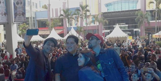 Erick di acara Jokowi Millennial Fest di Surabaya Town Square Jalan Hayam Wuruk, Surabaya, Minggu (9/12/2018).