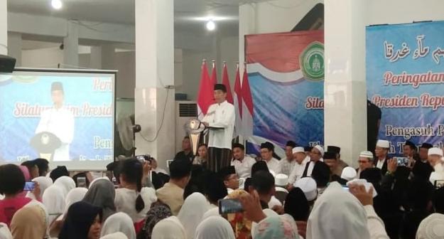 Presiden Joko Widodo di Pondok Pesantren Darul Ulum Jombang.