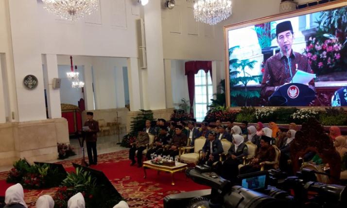 Presiden Joko Widodo saat memberikan sambutan dalam peresmian Pembukaan Kongres XIX IPNU dan Kongres XVIII IPPNU di Istana Negara, pada Jumat (21/12/2018).