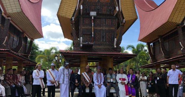 Jokowi saat rayakan Natal di Tana toraja.