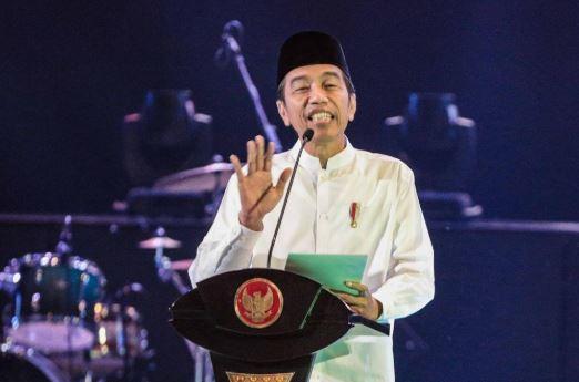 Presiden Joko Widodo memberikan paparan saat menghadiri konsolidasi calon legislatif Partai Kebangkitan Bangsa (PKB) Pemilu 2019.