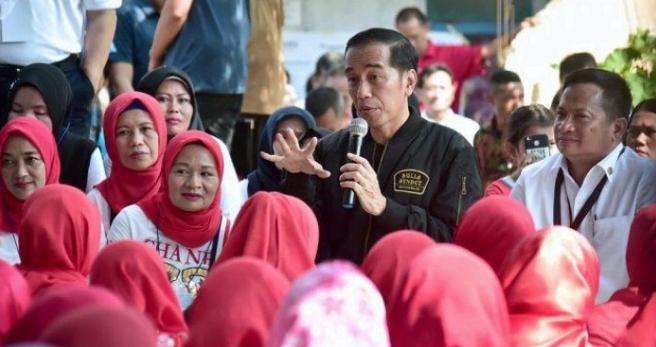 Jokowi Sebut Pembiayaan Usaha Mikro dan Kecil Terutama Untuk Ibu-ibu akan Diperbesar.