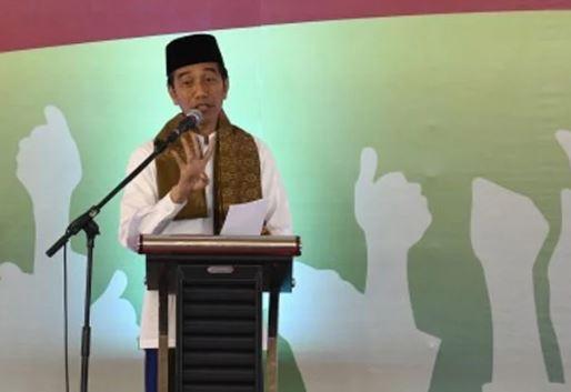 Jokowi saat berpidato dalam acara Deklarasi Akbar Ulama Madura Bangkalan, Rabu (19/12/2018)