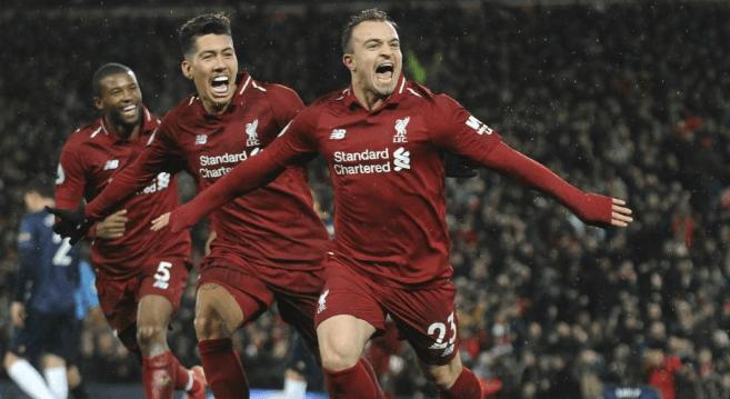 Para pemain Liverpool lakukan selebrasi usai menghajar MU 3-1.