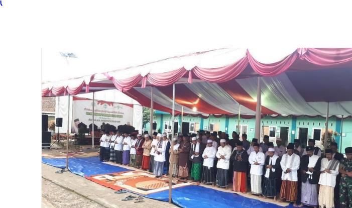 MUI Kabupaten Pandeglang dan PCNU Kabupaten Pandeglang mengadakan salat gaib dan istighosah untuk korban tsunami Selat Sunda di Pondok Pesantren Mathlaul Anwar Linahdlatil Ulama.