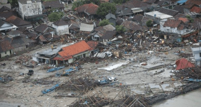 Dampak kerusakan tsunami Selat Sunda.