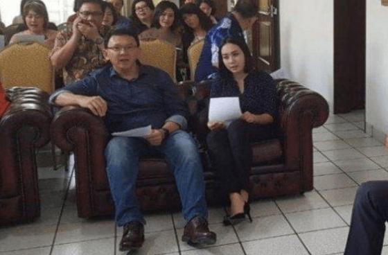 Bripda Puput Langsung Temani Ahok Ibadah Bersama Usai Bebas Penjara.