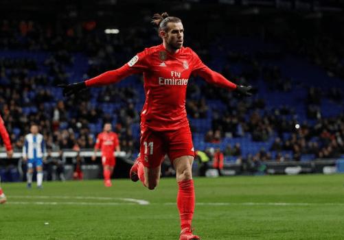 Selebrasi Bale usai cetak gol.