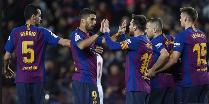 Luis Suarez dan Messi jadi penyumbang gol untuk Barca.