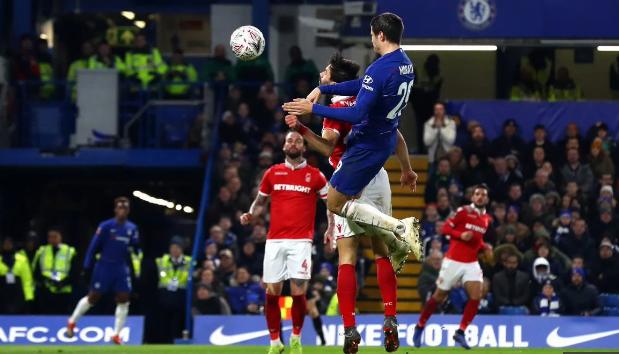 Striker Chelsea, Alvaro Morata cetak gol saat melawan Nottingham Forest pada Babak Ketiga Piala FA 2018/19 di Stamford Bridge, Sabtu (5/1/2019).