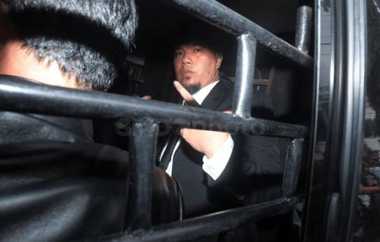 Ahmad Dhani saat di bawa ke Rutan Cipinang.