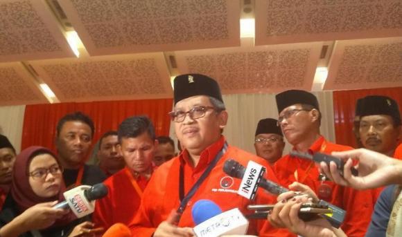 Hasto Kristiyanto saat jawab pertanyaan wartawan.