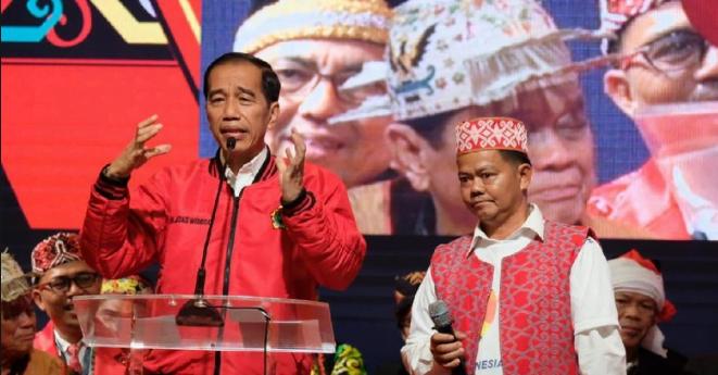 Jokowi saat deklarasi Masyarakat Dayak di Seasons City, Jakarta Barat, Sabtu (26/1/2019).