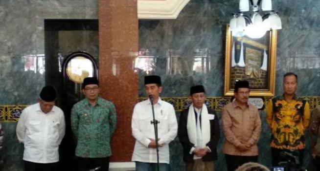 Jokowi di Masjid Besar Cibatu, Garut, Jawa Barat, Jumat (18/1/2019).
