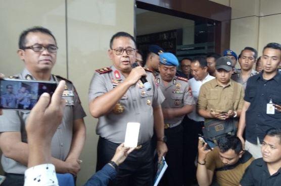 Kapolda Jatim Irjen Pol Luki Hermawan saat berikan keterangan kepada media.