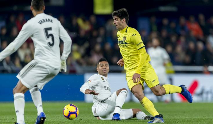 Santi Carzola mencetak dua gol untuk timnya, Villareal.