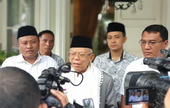 Ma'ruf Amin saat berikan keterangan kepada wartawan,