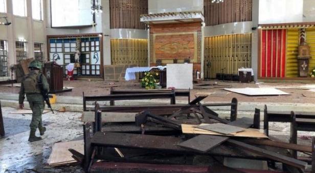 Gereja yang di bom di Filipina.