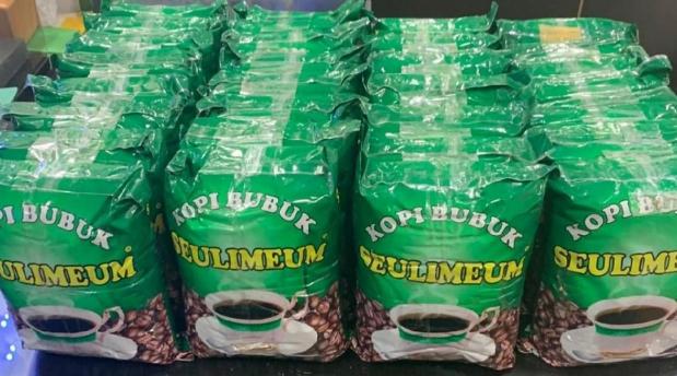 Paket ganja berbungkus kopi yang diungkap Polres Jakbar/Foto: Dok. Polres Jakbar.
