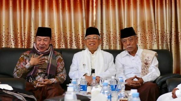 Calon Wakil Presiden nomor urut 02 Ma'ruf Amin di Ponpes Buntet, Cirebon, Jawa Barat, Senin (25/2/2019).