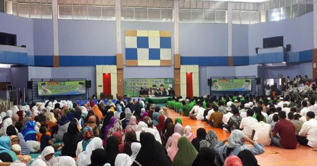 Cawapres Ma'ruf Amin menghadiri istigasah untuk bangsa dalam rangka Harlah Nahdlatul Ulama (NU) di gelanggang Remaja Senen, Jakarta Pusat.