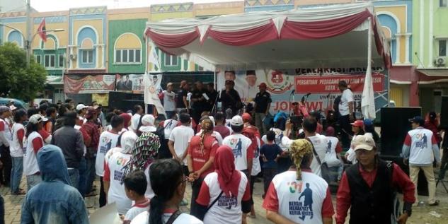Persatuan Pedagang Kaki Lima Depok saat deklarasi Dukung Jokowi-Ma'ruf.