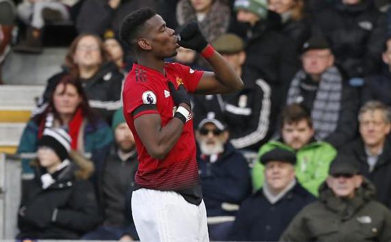 Selebrasi Pogba usai cetak gol ke gawang Fulham.