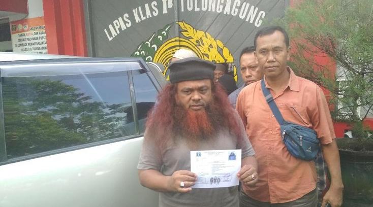Noeim Ba'asyir saat keluar dari penjara 19 Februari lalu di LP Tulungagung.