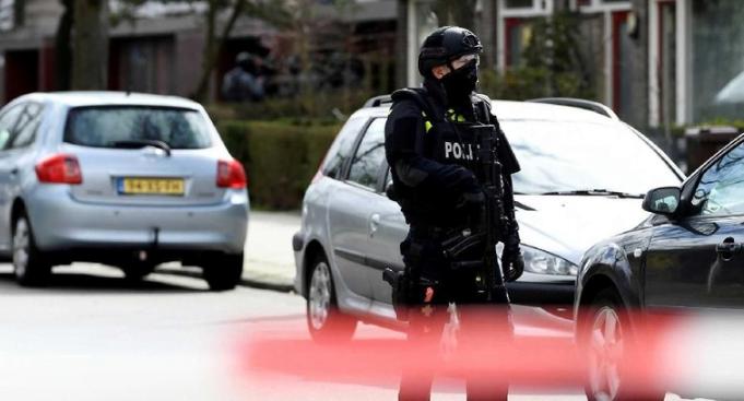 Lokasi penembakan di amankan Polisi Belanda.